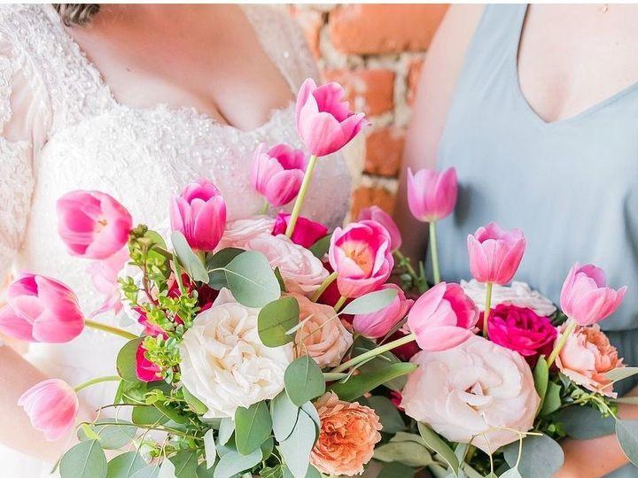 Tmx 1529272277 A2ce81ea79fb878d 1529272276 419dd7e66b9edfce 1529272267659 4 4C6EDAE0 BAFE 4B3C Carrboro, North Carolina wedding florist