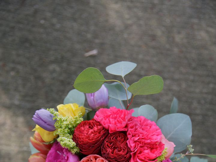 Tmx 1535572020 9222463cecec2edb 1535572018 A48b8bb3ec933995 1535572021500 3 Just For Me 0032 Carrboro, North Carolina wedding florist