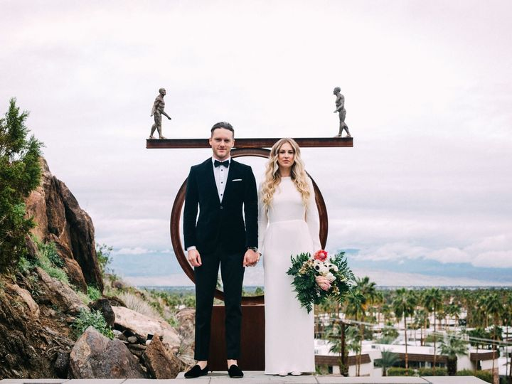 Tmx 1532385211 9364466467e30323 1532385209 F23f926183d81f58 1532385205505 3 Circle Couple Ventura, California wedding florist