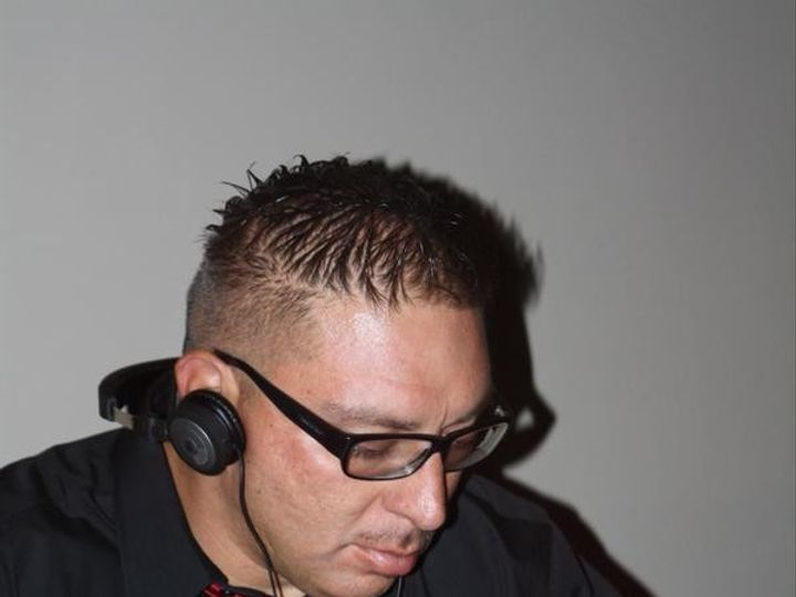 Tmx 1466991958993 Eddie Munoz Head Shot Mixing Seattle wedding dj