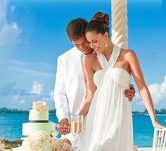 sandals wwedding cutting cake