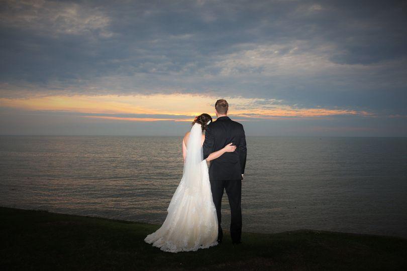 8ff08b78fb23fcb4 1535668624 ed5748e91a0eebd4 1535668620194 3 sunset wedding