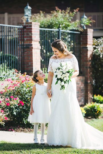 63869a7abc3666a0 Bride and Flower Girl