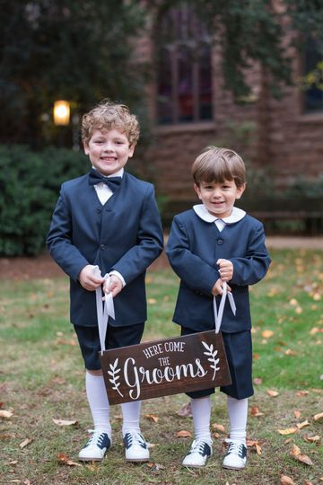 Adorable ring bearers!