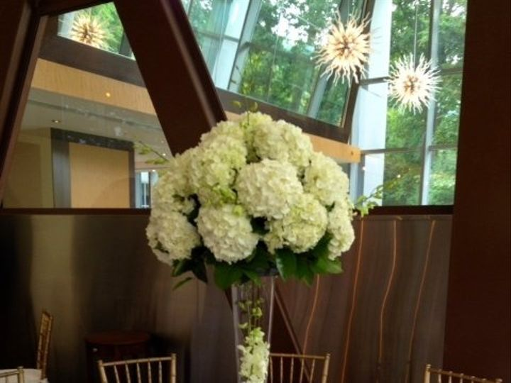 Tmx 1360016448175 Guesttablecenterpiece Alexandria, VA wedding florist