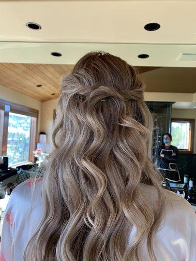 Sara's hair