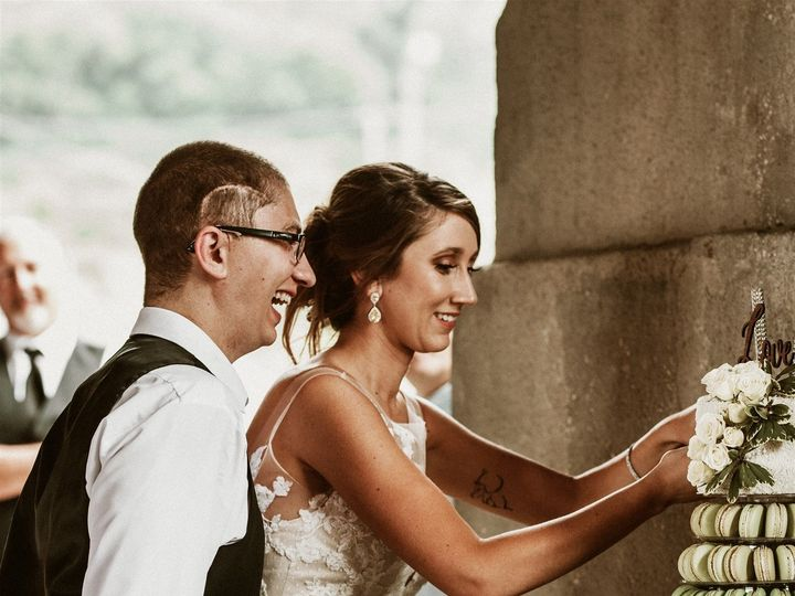 Tmx Stewart Wedding Studio Masters Cake Cutting 4 Of 29 51 1018368 157467756438930 Lenexa, KS wedding cake
