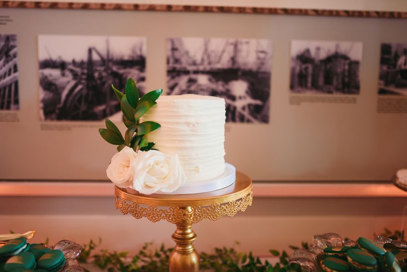 Micro Wedding/Cut Cake