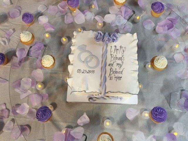 Tmx 1464833034418 Kiana Book Wedding Cake Pic2 Washington, District Of Columbia wedding cake