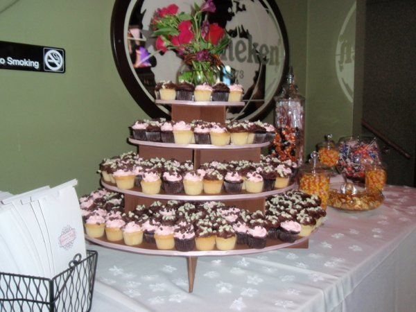 Tmx 1255452117401 Cupcaketower Chicago, IL wedding catering