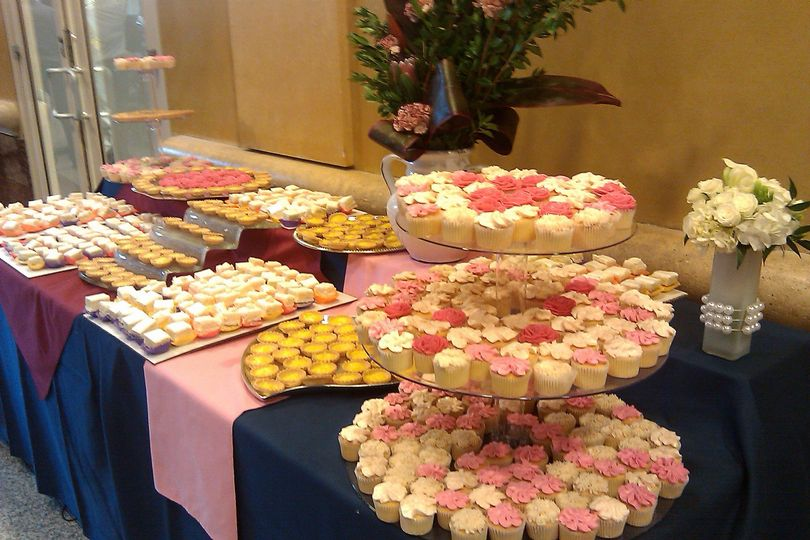 Delicious dessert table - Delights by Lisa