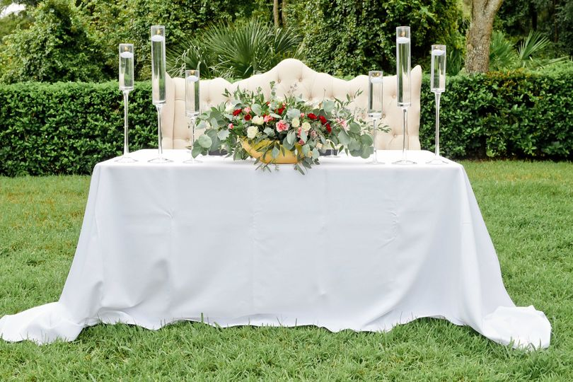Head table - Photo Credit: S&S Hendley Photography