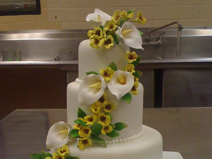Tmx 1393713312478 Whiteandyellowlilyflowers3tie Lakeland wedding cake