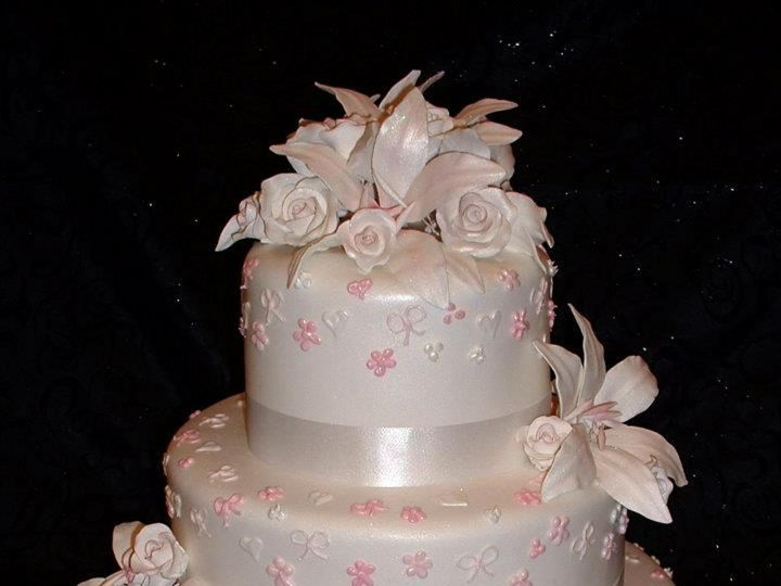 Tmx 1393713338063 Rosesheartsandbow Lakeland wedding cake
