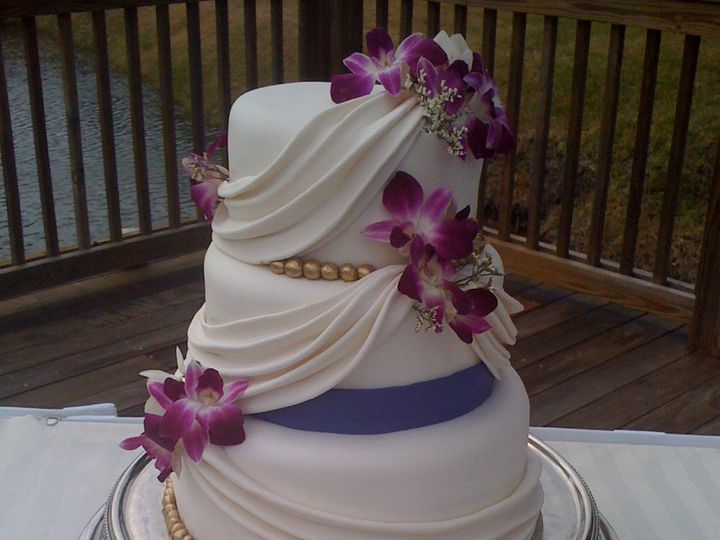 Tmx 1393713570563 Drapedfusciaflower Lakeland wedding cake