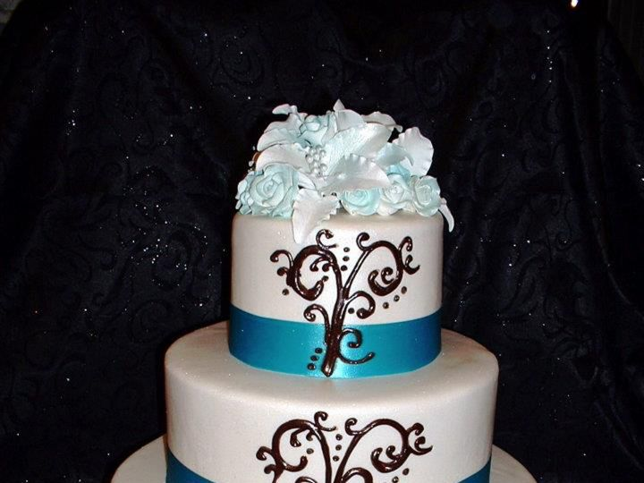 Tmx 1393713586018 Blackswirlsblueribbo Lakeland wedding cake