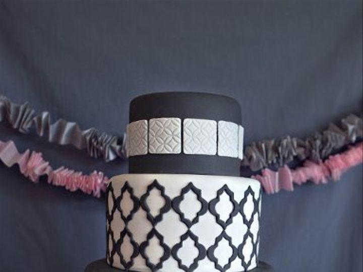 Tmx 1328965329513 Savadyphoto212 Hamden wedding cake