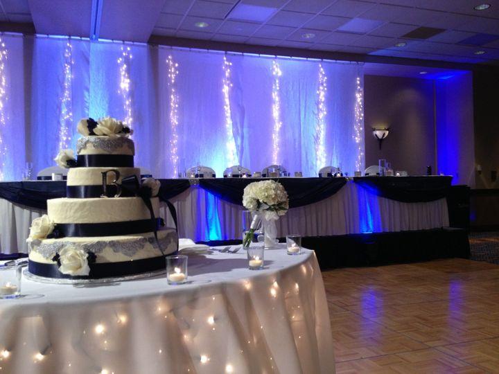 Wedding cake table lights