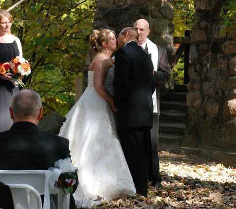 Valerie and Jeff share their wedding kiss!