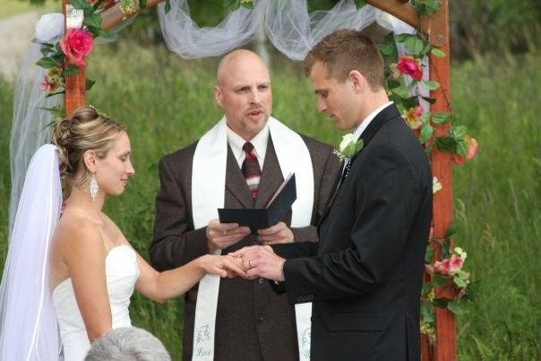 Jill and Jeff make their vows.