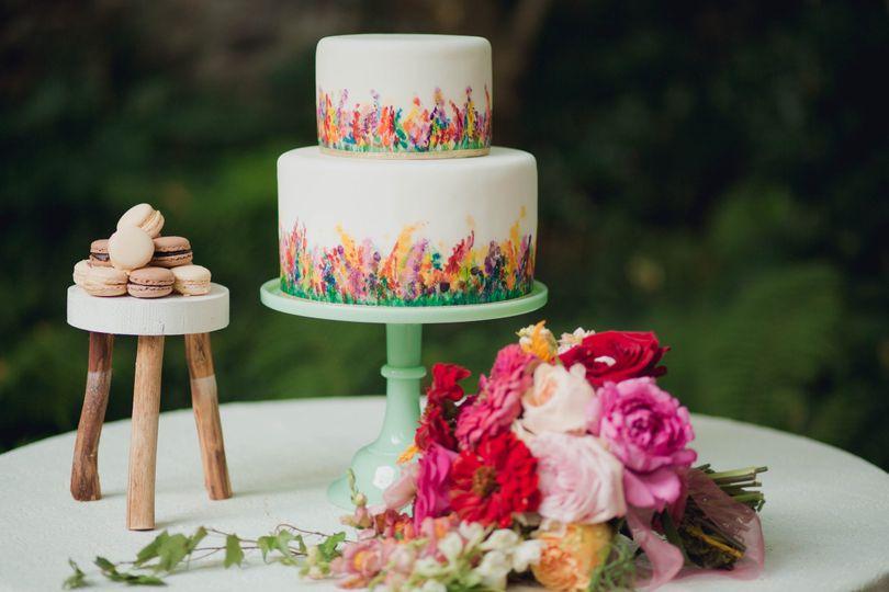 Flower decor next to the wedding cake