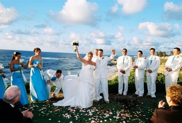 Photo courtesy of Photography by Paul, ceremony at The Wedding Bowl in La Jolla, CA