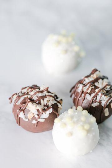 Delicious cake truffles