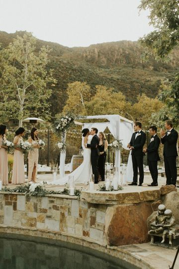 Kiss Under Chuppah