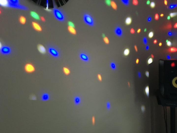 Light scene dancing dots