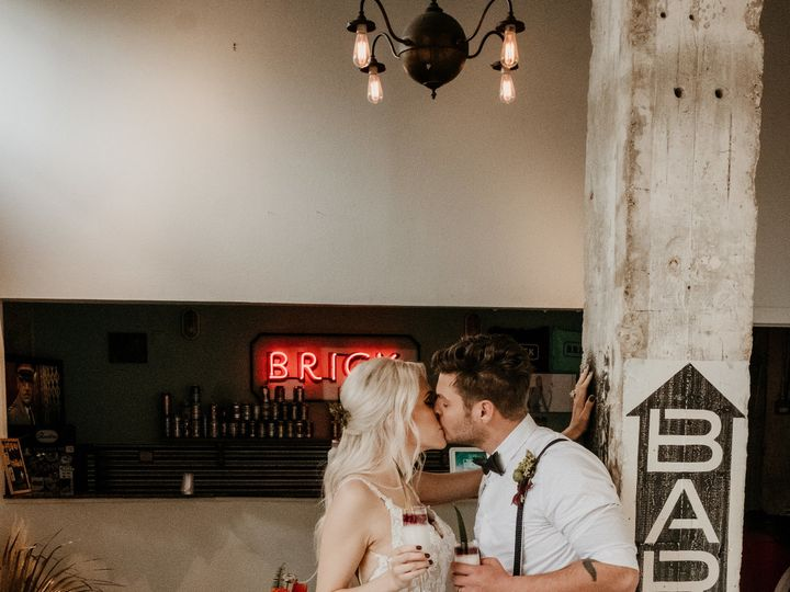 Tmx 1516647665 072ee5627eb12bbc 1516647610 6be3f1ee0a963370 1516647485402 70 DSCF7085 San Antonio, TX wedding planner