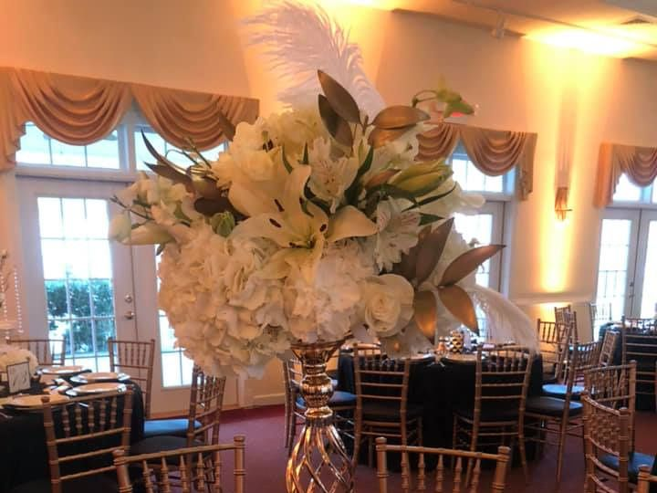 Tmx 48368979 10217943332438312 1329863127726030848 N 51 906668 Durham, North Carolina wedding florist