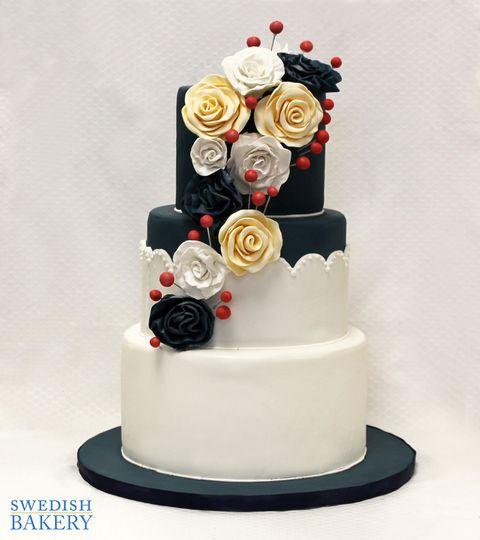 3tot navy white fondant flowers wedding cake 7