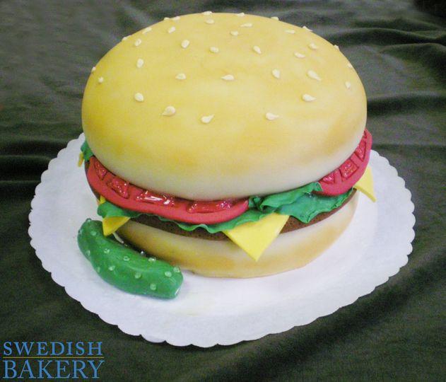 hamburger sculpted fondant 2 web