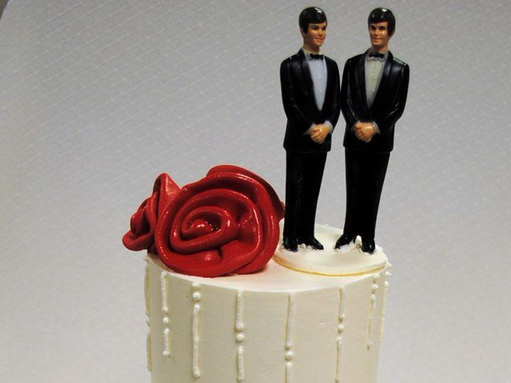 Tmx 1402782996554 Wedding Cake Icicle Rolled Roses Red Base Ribbon 2 Chicago wedding cake