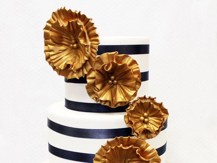 Tmx 1470856906464 3tot White Navy  Gold Fondant Cascading Flowers  S Chicago wedding cake