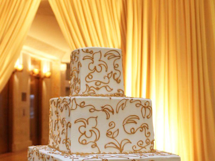 Tmx 1470857916542 3tot Wedding Cake White Buttercream Square Gold Fl Chicago wedding cake