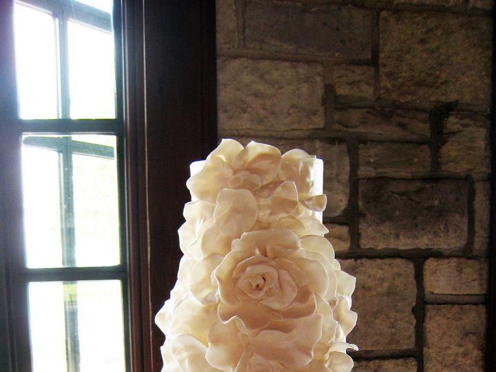 Tmx 1470858876066 3 Tot Wedding Cake 10 7 4 Faux Fondant Fluffy Suga Chicago wedding cake