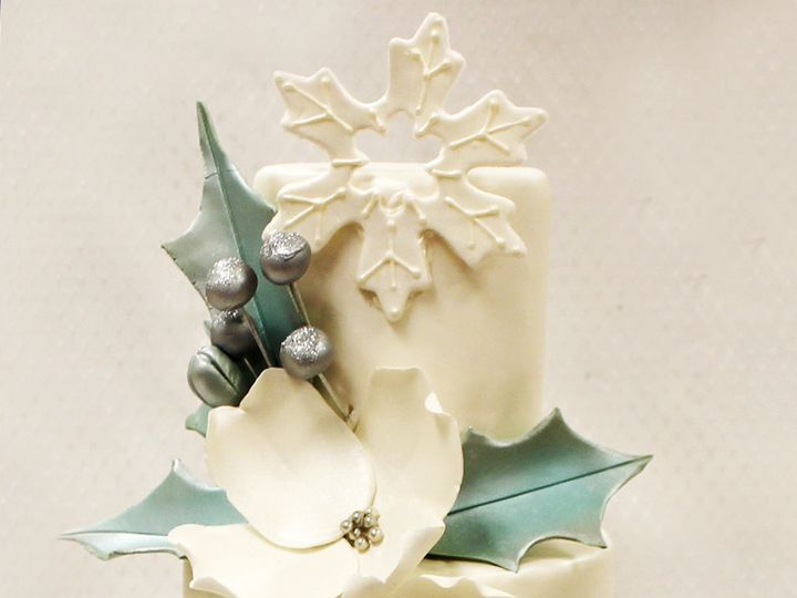 Tmx 1471025775132 3tot White Buttercream  Green Flowers Holly Silver Chicago wedding cake
