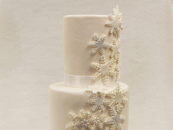 Tmx 1471025802961 3tot White Buttercream  Fondant Cascading Snowflak Chicago wedding cake
