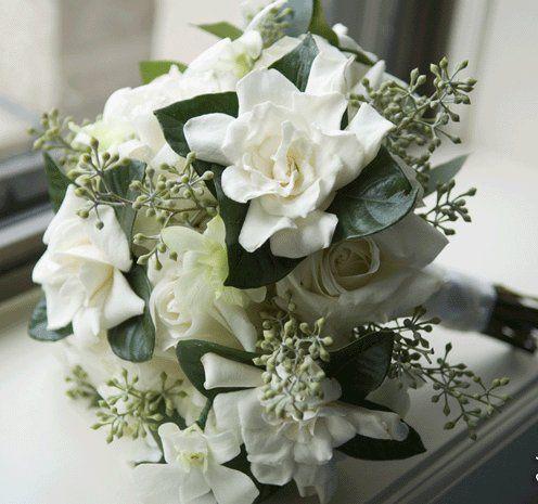 Luxurious gardenia bouquet