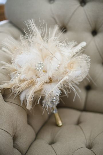 Gatsby themed bouquet with feathers and brooches