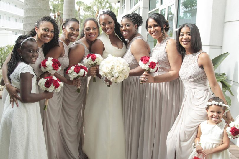nicole and kevin crowne plaza bridesmaids