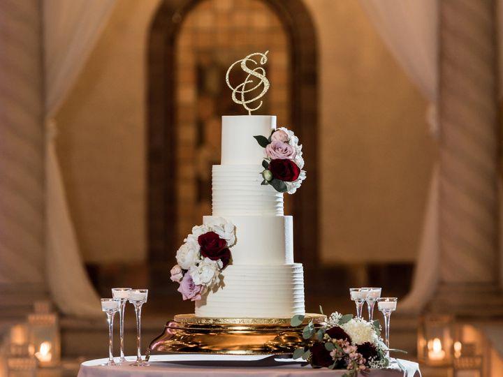 Tmx Deana And Nathan Cake 51 500768 Saint Petersburg, FL wedding planner
