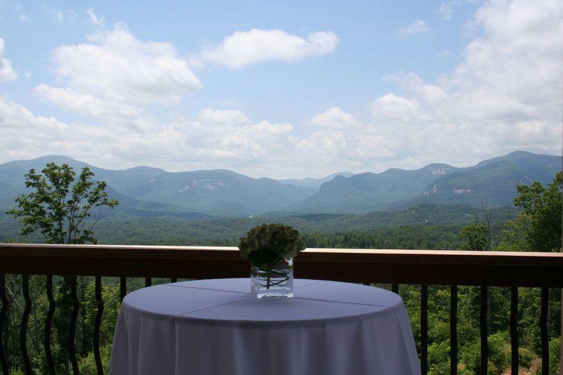 bills mountain wedding table
