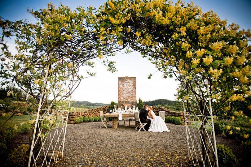 450006b74d5271c7 1377126495904 white elegant wedding domaine margelle lauren b