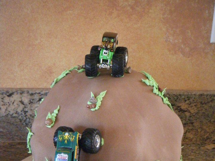 Tmx 1370489612214 Truck1 Penngrove wedding cake