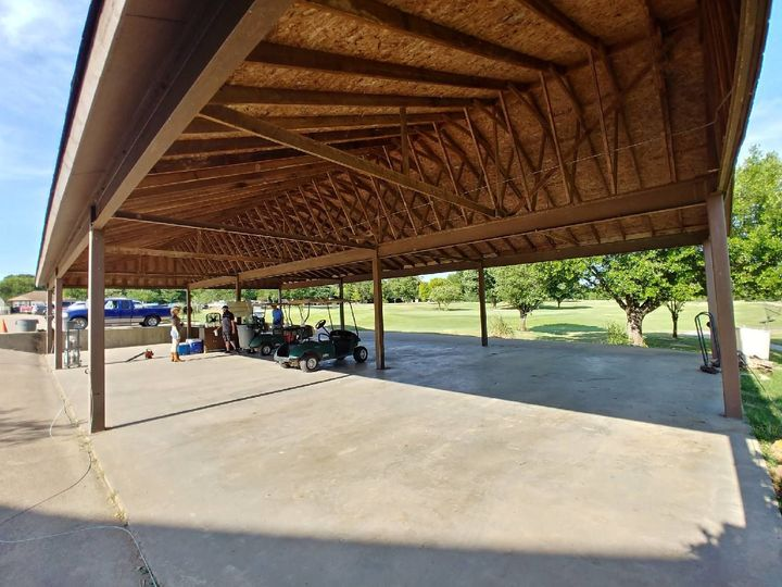 Covered pavilion, for your reception, adjacent to the clubhouse.