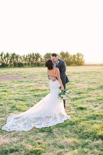 Newlyweds kissing - Anna Perevertaylo Photography