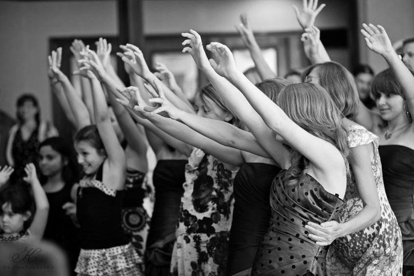 Hands up for David's DJ ServiceThe bouquet toss!