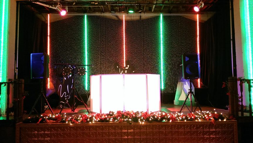 A beautiful setting for a Christmas party at the Starlite Ballroom in Leesburg, Fl.